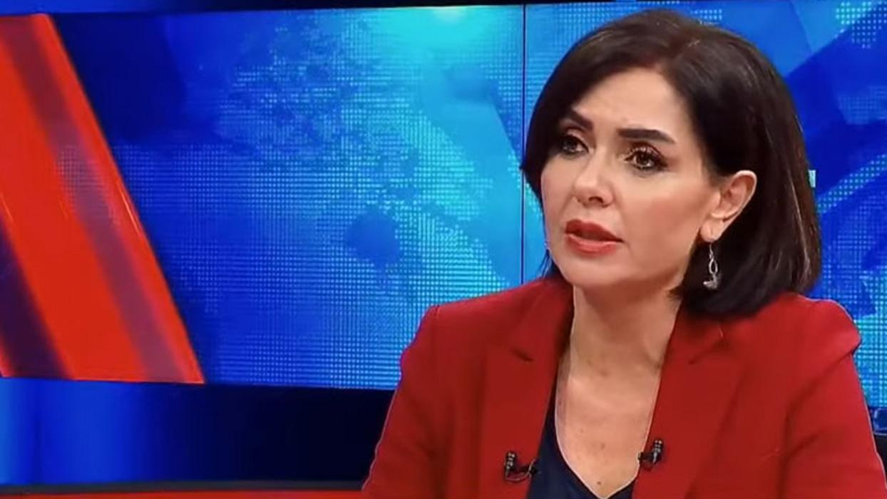 <p>CHP'nin yayın organı Halk TV'de program sunan Özlem Gürses MHP lideri Devlet Bahçeli&