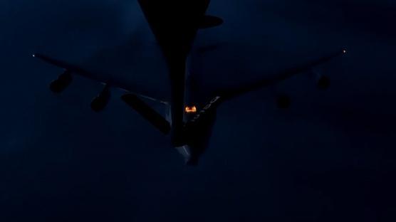 <p>Milli Savunma Bakanlığı, bir NATO uçağına ilk kez gece görevi esnasında havadan yakıt ikmali sağl