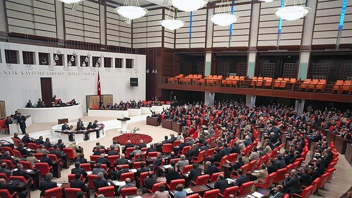 Meclis'teki gerilime karşı 'ışık' ayarı