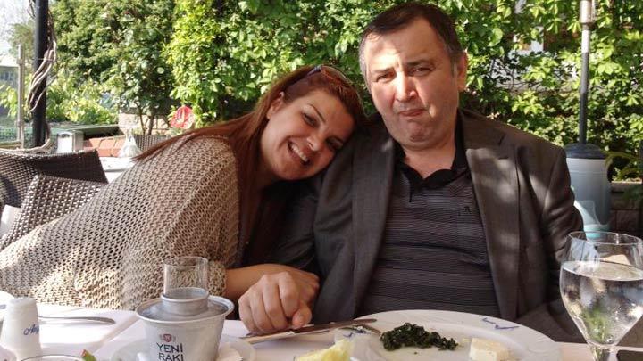Elif Karli Babasini Kaybetti