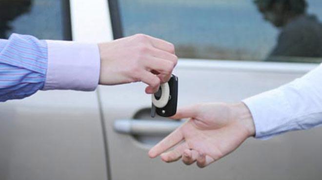 Bedelli için otomobili satıyoruz
