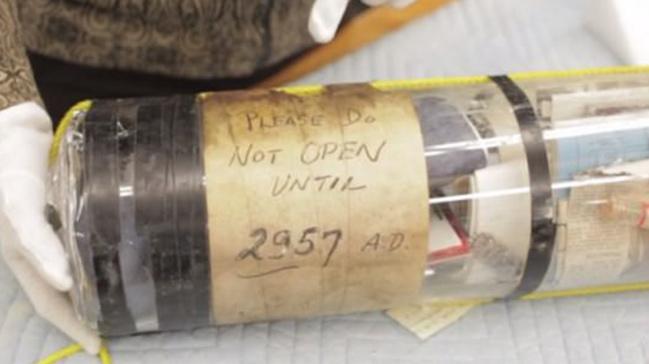 1957'den not: Lütfen 2957'ye kadar açmayın