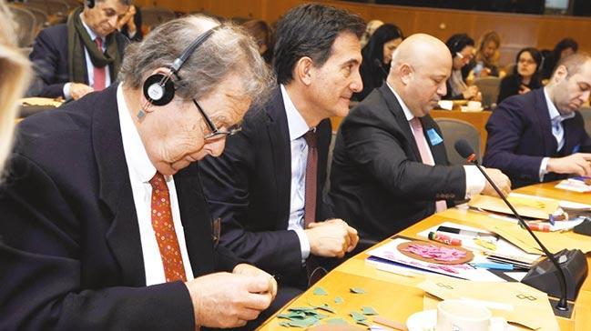 Turkcell mülteci sorununu Avrupa'nın kalbine taşıdı