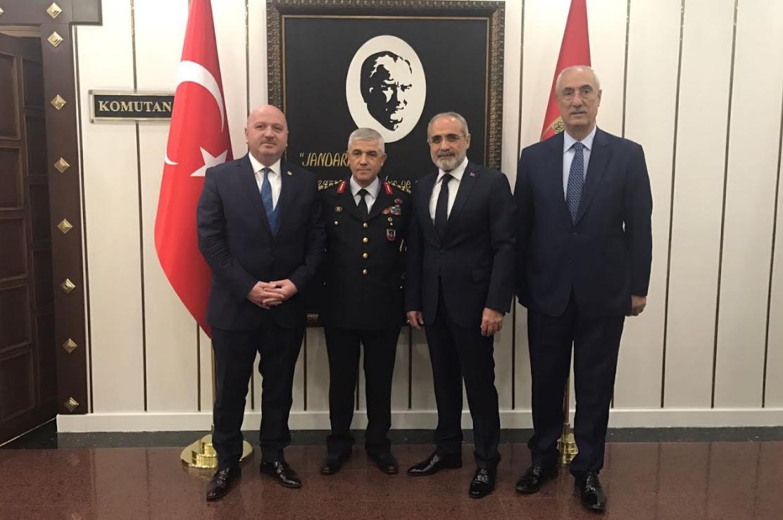 Cumhurbaşkanı Başdanışmanı Yalçın Topçu  Jandarma Genel Komutanı Arif Çetin'e ziyarette bulundu