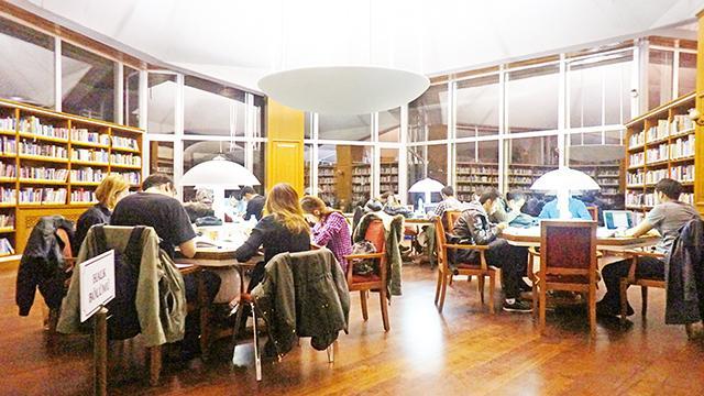 İstanbul'da kütüphane sayısı yetersiz