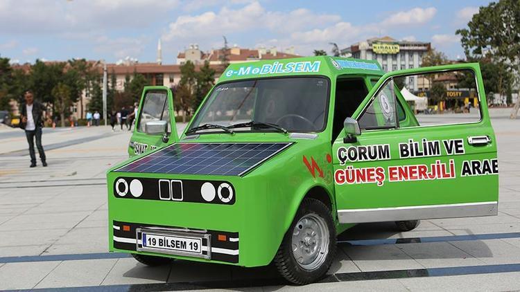 Lise öğrencileri güneş enerjisiyle çalışan otomobil yaptı