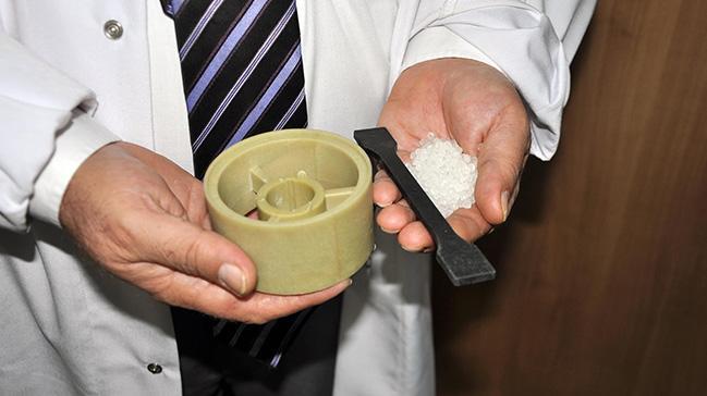 Çeliğin ağırlığını azaltacak malzeme üretti
