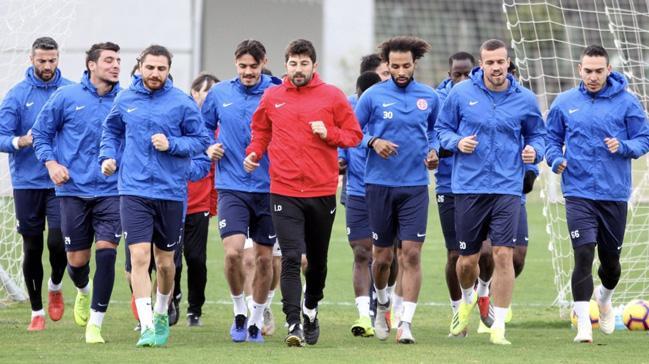 Antalyaspor'da Beşiktaş maçının hazırlıkları başladı