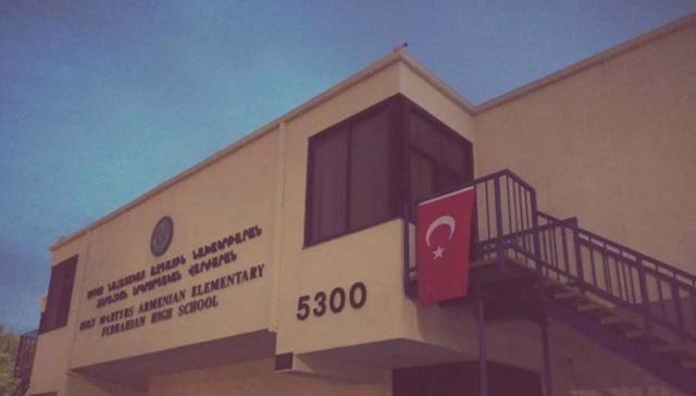 Ermeni okuluna Türk bayrağı asılması 'nefret suçu' olarak rapor edildi