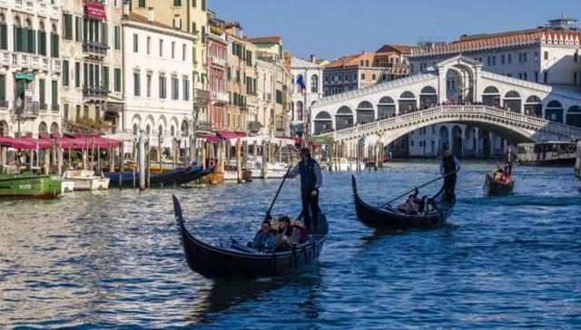 Venedik'te Mayıs'tan itibaren turistlerden 'ayakbastı parası' alınacak