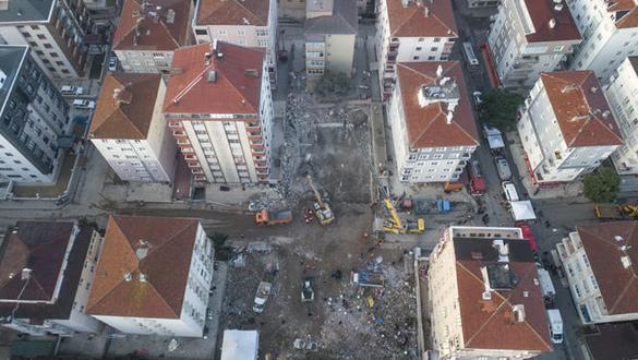 Son dakika... Bakan Kurum: Riskli 8 bina kısa süre içinde yıkılacak