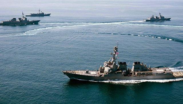 ABD savaş gemileri Güney Çin Denizi'ne girdi, bir hamle de İngiltere'den geldi