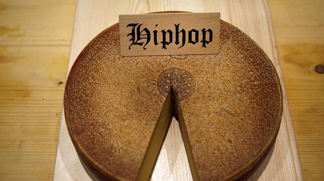 İsviçreli bilim insanları, hip hop müziği dinlettikleri peynirlerin biraz daha tatlı hale geldiği sonucuna vardı