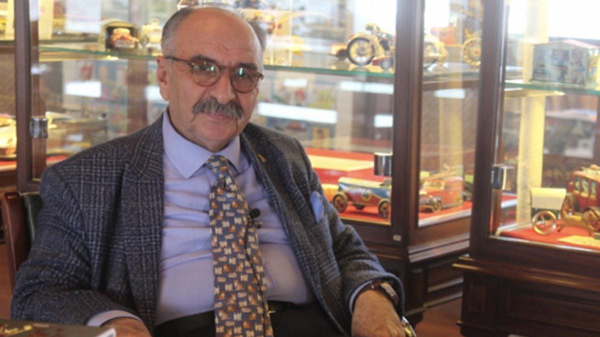 Gazeteci Yalvaç Ural'dan tepki: Mektup bile yazamayan insanlar kitap çıkarıyor