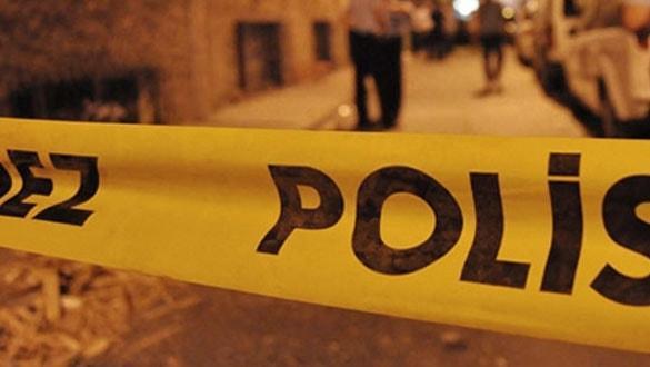 Manisa'da eski akaryakıt istasyonunda çıkan yangın sonrası yanmış erkek cesedi bulundu