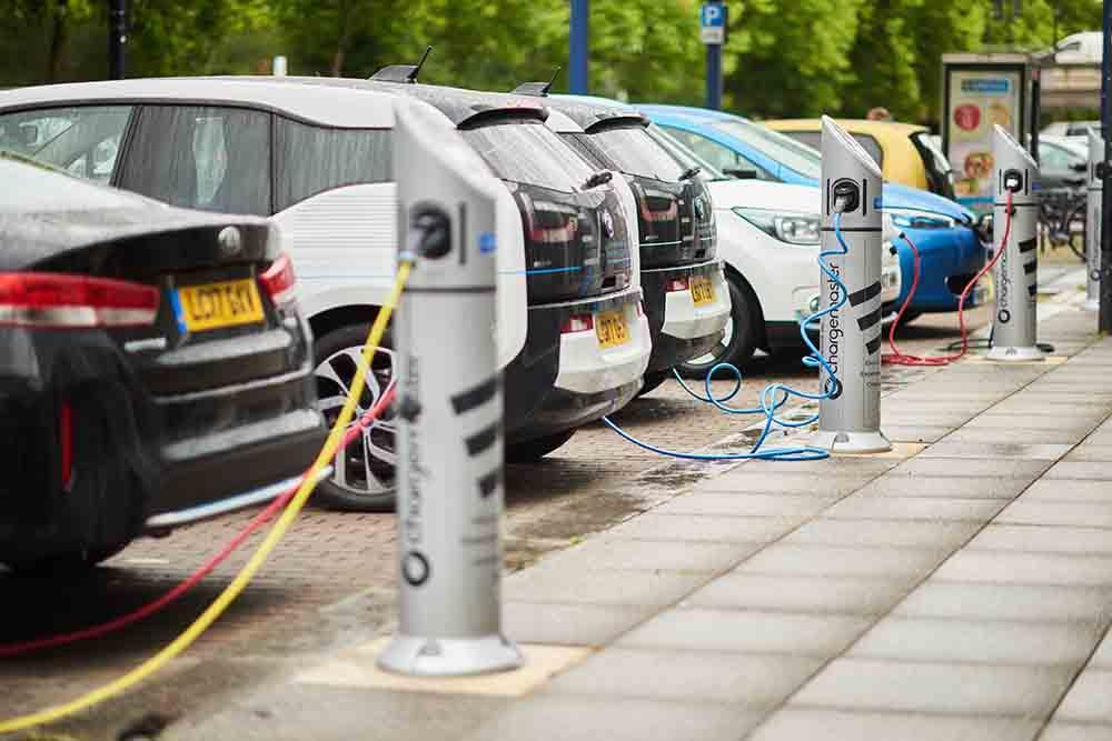 Her 100 aracın 25'i elektrikli olacak