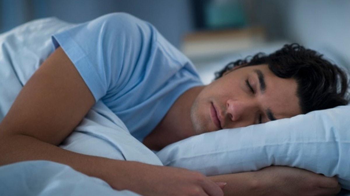 """Sıcak havalarda nasıl uyuyabiliriz"""" Uzmandan 20 önemli tüyo"""