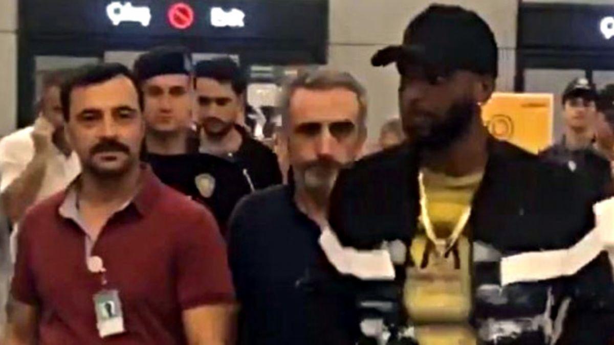 Galatasaray'ın yeni transferi Ryan Babel İstanbul'a geldi