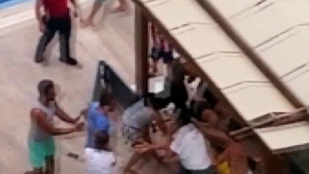 Antalya'da havuz başında dehşet! Genç çifti bayıltana kadar dövdüler