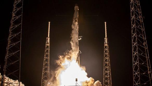 SpaceX, 2 buçuk tonluk kargoyu uzaya gönderdi