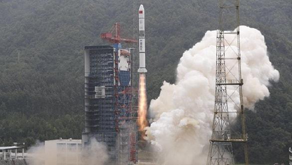 Çin yeni askeri keşif uydularını fırlattı