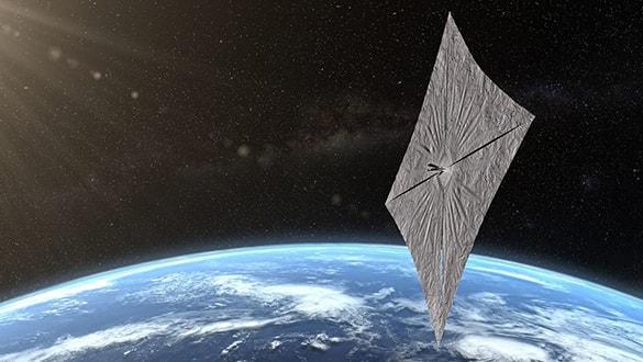 Güneş yelkenli uydu yelkenlerini açtı ve fotoğrafını gönderdi