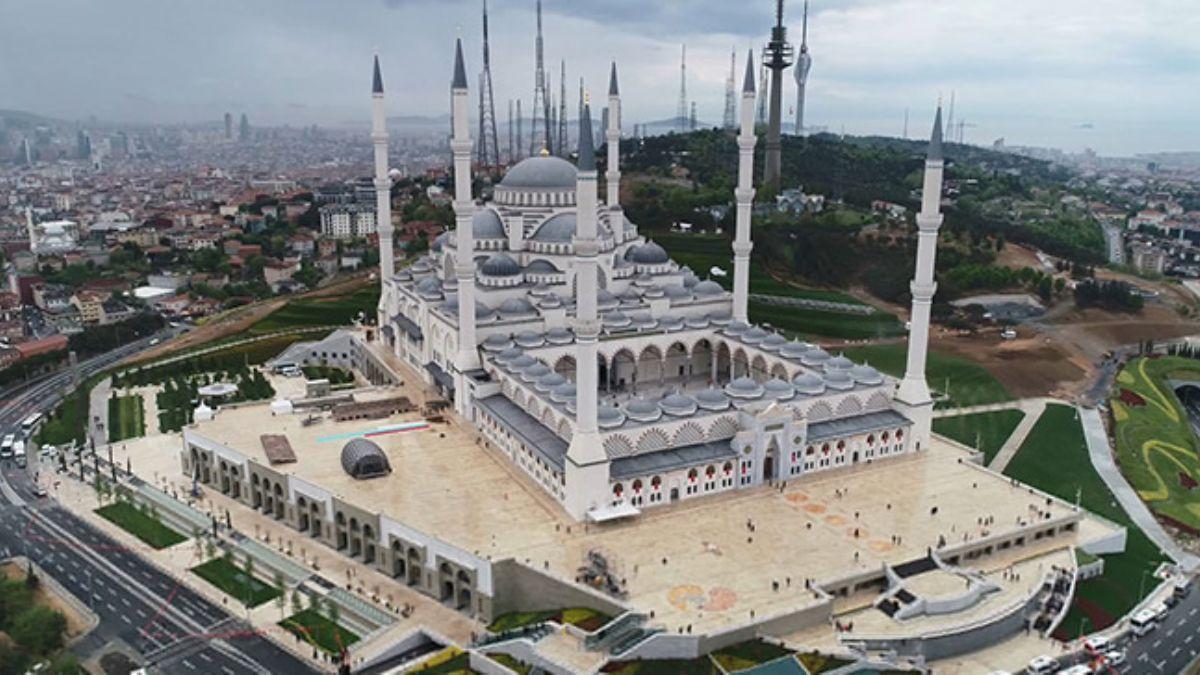 İlk tefsir sohbeti yarın Büyük Çamlıca Camii'nde