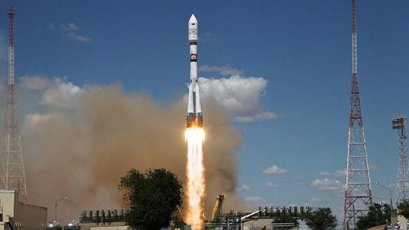 Rusya bir askeri istihbarat uydusunu daha uzaya gönderdi