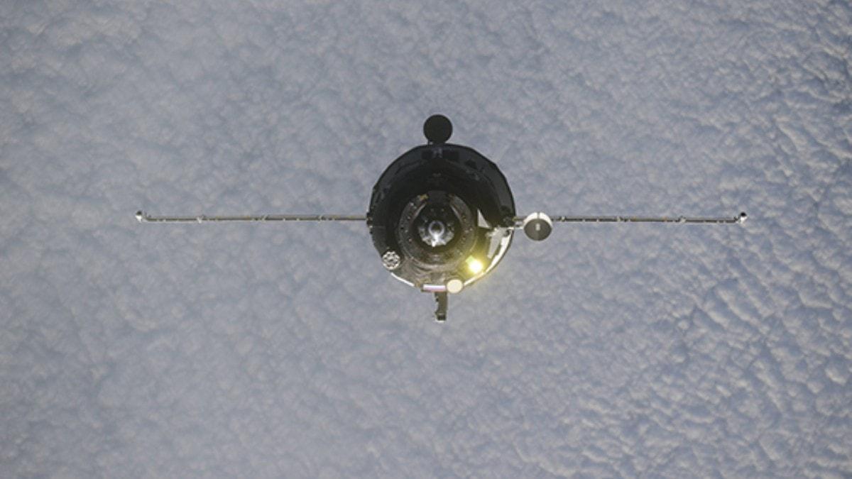 Rus uzay kargo aracı okyanusa düşürüldü