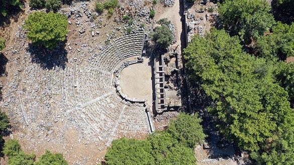 'Anadolu'nun Pompeisi'nde Zeus Tapınağı'nın izleri araştırılıyor