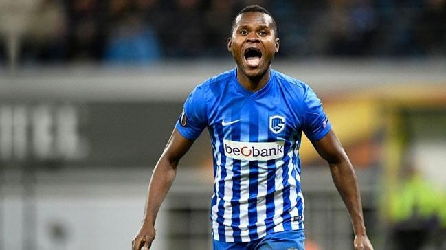 Diagne yüzünden transferi gerçekleşmeyen Samatta şov yapıyor!