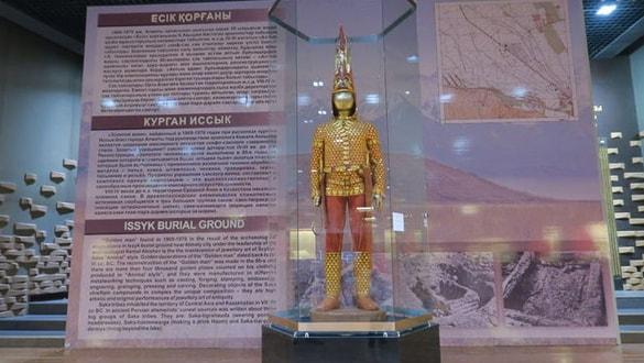 Kazakların 'Altın Elbiseli Adam'ı Ankara'ya geliyor