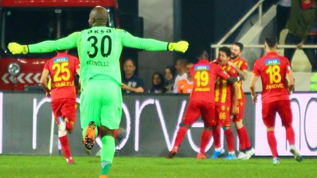 Yeni Malatyaspor iç sahada Galatasaray'a yenilmiyor