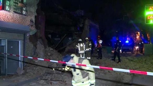 Beyoğlu'nda bir evde çökme meydana geldi