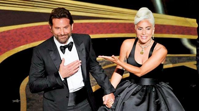 Lady Gaga'dan itiraf: Aşık rolü yaptık