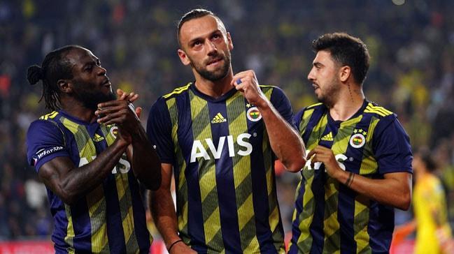 Fenerbahçe, Süper Lig'de haftanın açılış maçında Kasımpaşa'yı 3-2 mağlup etti