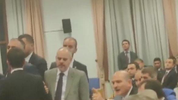 'FETÖ savunucusu' vekilden skandal hareket! Bakan Soylu'nun üzerine yürüdü, tehditte bulundu