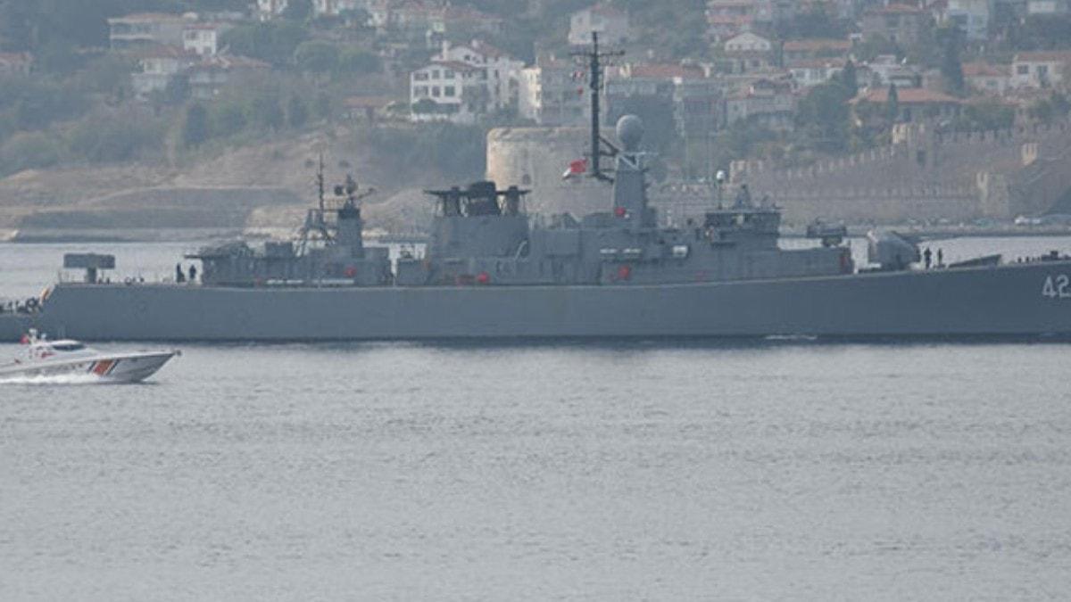 Bulgar savaş gemisi 'Verni' Çanakkale Boğazı'ndan geçti