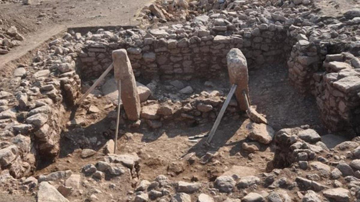 Şanlıurfa'da yapılan kazılarda Göbeklitepe benzeri onlarca dikilitaş bulundu