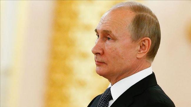 Dünya devleri ikiye bölünmüştü... Putin teknolojik cihazlarda 'yerli yazılım şartı' yasasını imzaladı