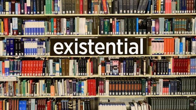 'Dictionary.com' 2019'un kelimesini seçti: Existential