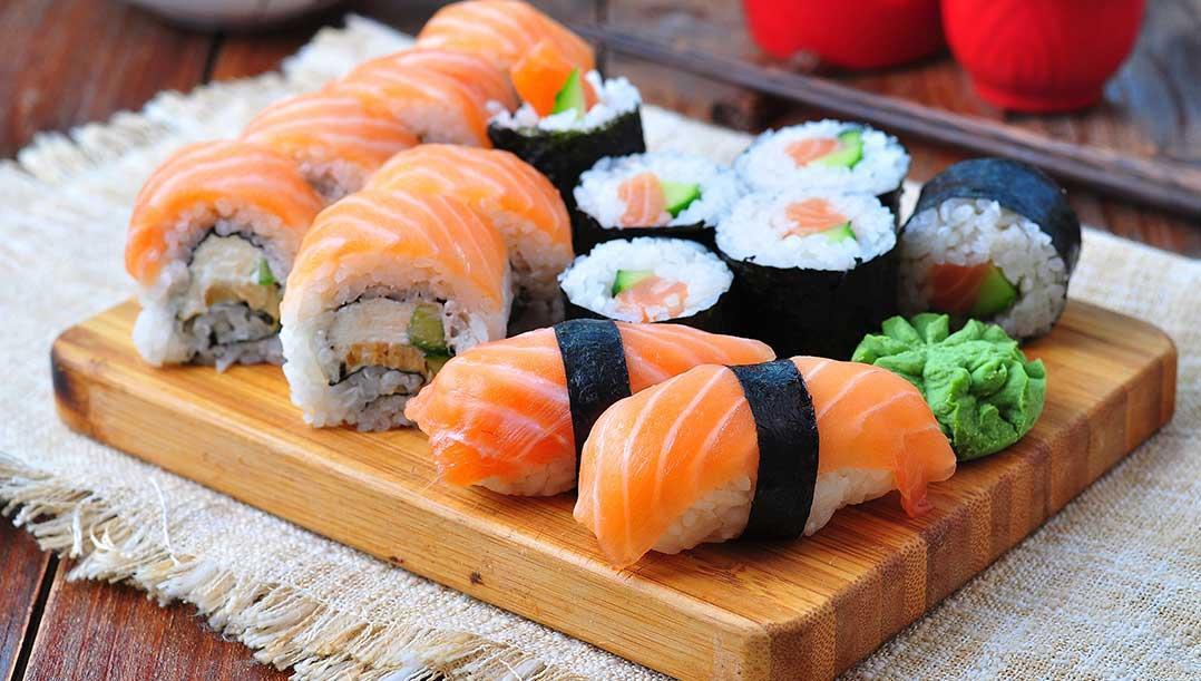 """Suşi (Sushi) nasıl yapılır"""" Suşi (Sushi) tarifi ve yapılışı haberimizde.."""