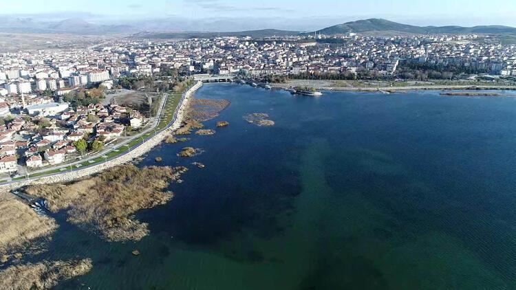 Beyşehir Gölü'nde inanılmaz olay! Derinlik 20 metre düştü