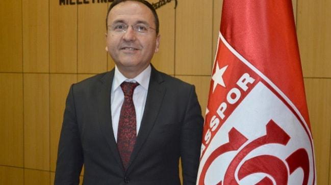 Sivasspor Başkanvekili Sarılar: Emre ve Mert Hakan ile Fenerbahçe maçından sonra görüşeceğiz