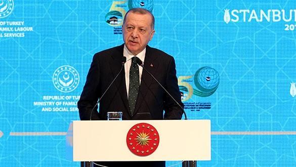Başkan Erdoğan'dan Macron'un sözlerine sert tepki: Karşımızda susuyor NATO'da konuşuyor