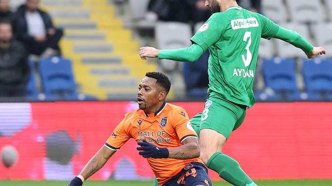 Medipol Başakşehir, kendi sahasında uzatmada yediği golle Kırklarelispor ile berabere kaldı