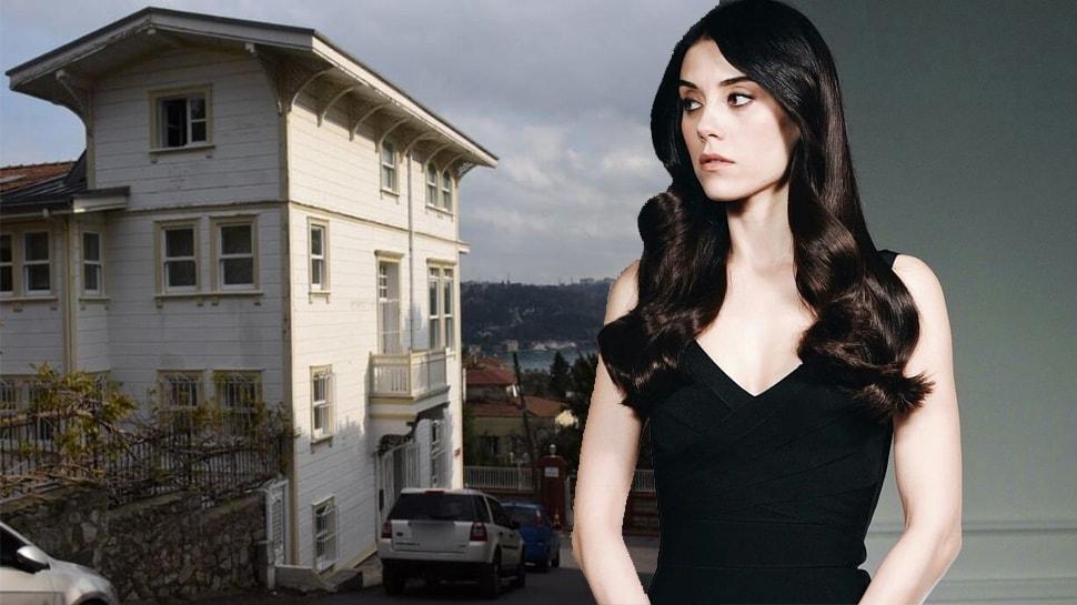 Cansu Dere'nin Boğaz'daki yeni villasının kirası dudak uçuklattı!