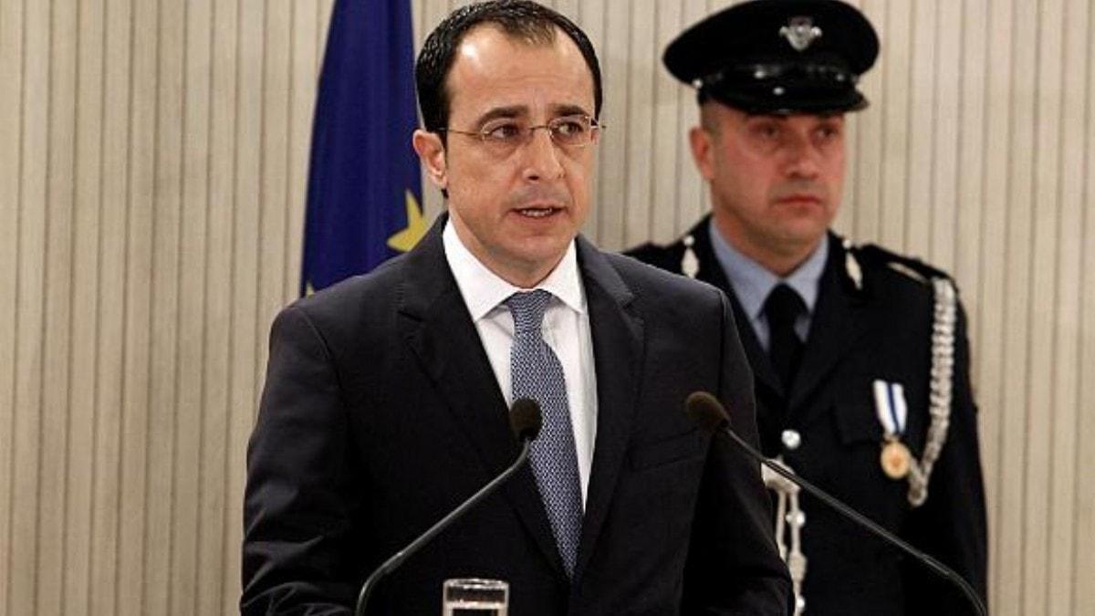 Rum Bakandan hadsiz açıklama: Türkiye'nin Kıbrıs'tan gitmesini başarmamız...