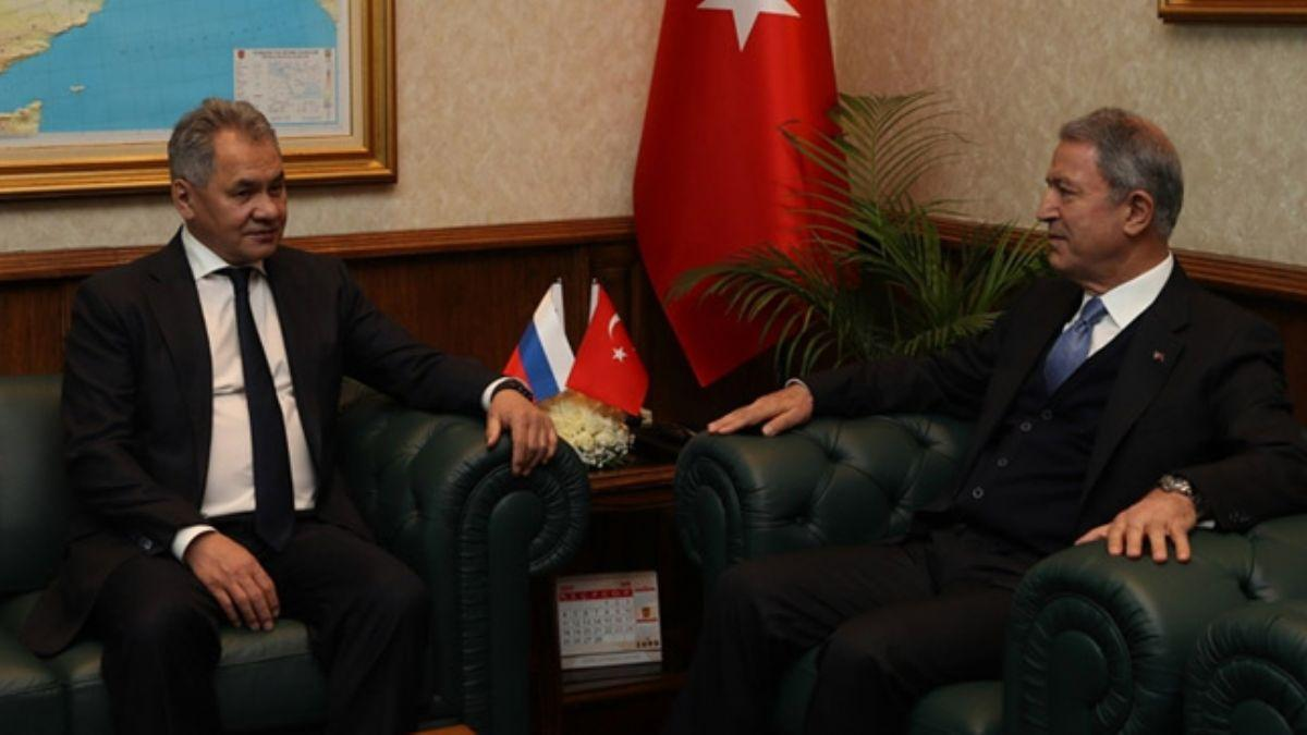 Milli Savunma Bakanı Akar, Rusya Savunma Bakanı Şoygu ile görüştü