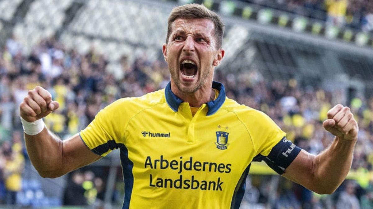 Göztepe, bu sezon 18 maçta 17 gol atan Kamil Wilczek transferini bitirmek üzere